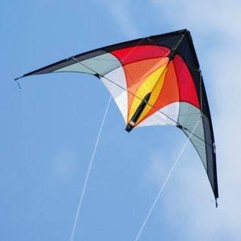 CIM Lenkdrachen - 1-2-SEVEN Hot - Drachen für Kinder ab 8 Jahren, fliegt in einem extrem großen Windbereich - Abmessung: 104x52cm - inkl. Steuerleinen mit Gurtschlaufen