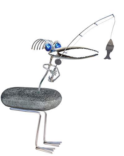 """Toni \""""Der Angler\"""" der Steinvogel mit Glasaugen. Gartenfigur als Deko aus Edelstahl und Natur-Stein. Wetterfest und rostfrei. Skulptur für Garten, Terasse, Balkon und Wohnung."""