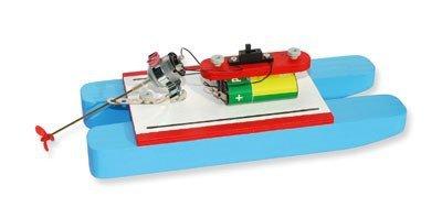 Preisvergleich Produktbild matches21 Katamaran Boot Modell mit Batterie Elektroantrieb Bausatz f. Kinder Werkset Bastelset ab 12 Jahren
