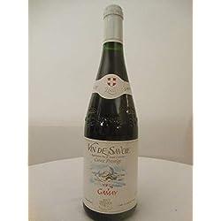 gamay jean perrier rouge 2000 - savoie france: une bouteille de vin.