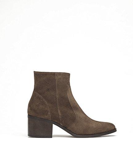 PoiLei Svenja - Damen-Schuhe / flache Cowboy-Stiefeletten im Western-Style aus Echt-Leder - Ankle-Boot mit Block-Absatz und spitz-zulaufend - braun