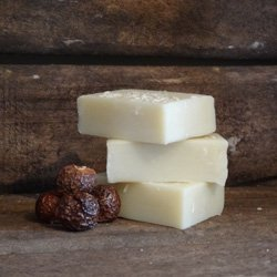 Living Naturally Soapnut Coconutty Shampoo Bar 90g