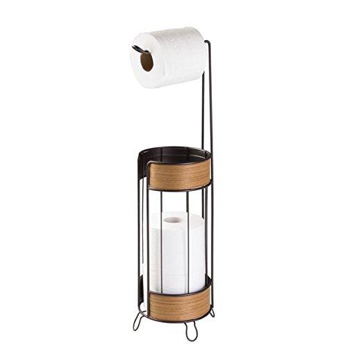 mDesign Portarrollos de pie para colocar sin tornillos - Portarrollo papel higienico para el baño - Práctico dispensador de papel para guardar rollos extra - Color: bronce/acabado en teca