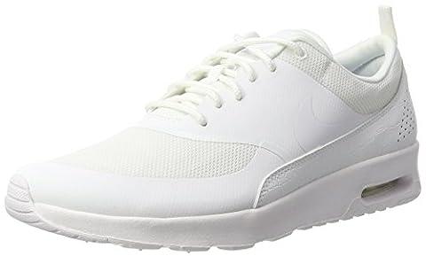 Nike Air Max Thea, Sneakers Basses Femme, Blanc (White/White-White), 35.5 EU