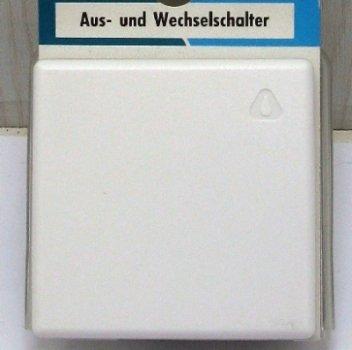 Kopp 623602081 Universalschalter (Aus- und Wechselschalter) Unterputz Feuchtraum arktis von Kopp bei Lampenhans.de