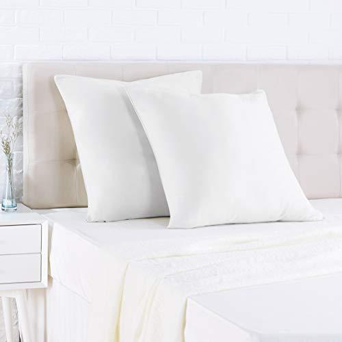 AmazonBasics - Funda de almohada de satén - 80 x 80 cm x 2, Blanco