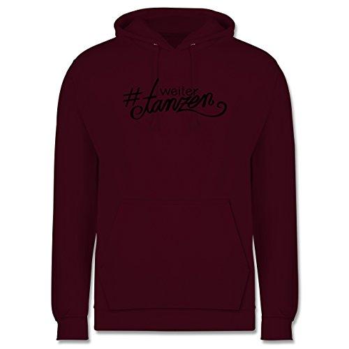 Statement Shirts - #weitertanzen - Männer Premium Kapuzenpullover / Hoodie Burgundrot