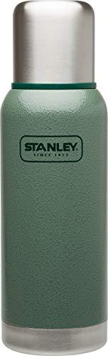 Stanley Adventure Vakuum-Thermosflasche 0.75 Liter, Hammertone Green, 18/8 Edelstahl, integrierter Thermobecher, Doppelwandige Isolierung, Isolierflasche Thermoskanne -