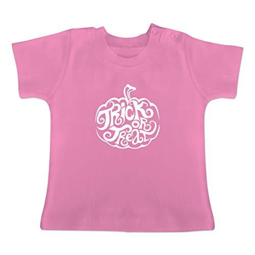 Anlässe Baby - Trick or Treat - 1-3 Monate - Pink - BZ02 - Baby T-Shirt Kurzarm (Halloween-kostüm Ideen Beste 2019 Neue)