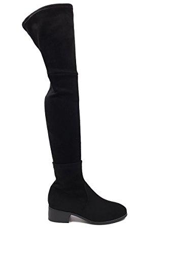 CHIC NANA . Chaussure femme cuissarde à talon, effet suédine, dotée d'un bout rond et d'un petit talon large.