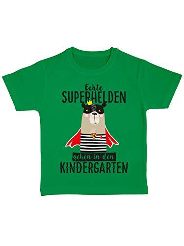 clothinx Kinder T-Shirt Bio Kindergartenstart Echte Superhelden Gehen in den Kindergarten Grün Größe 104
