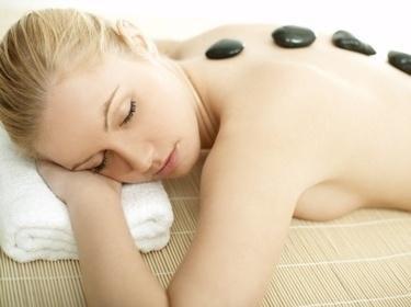 Hot Stone Massage Erlebnis Gutschein als Geschenk Gutschein - Wellness Gutschein
