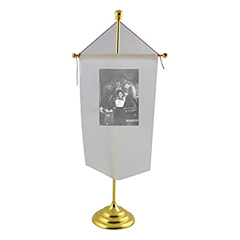 Table flag with Portrait of Ava Gardner.