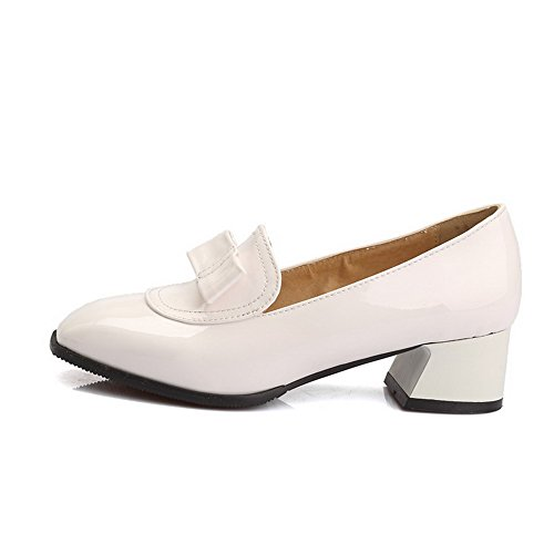 AllhqFashion Damen Rein Pu Mittler Absatz Quadratisch Zehe Ziehen Auf Pumps Schuhe Weiß