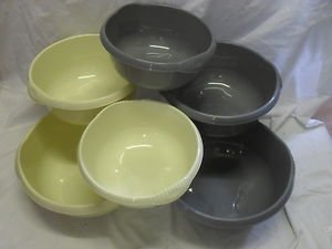 Whatmore - Ciotola da cucina Wham in plastica, forma tonda, beige