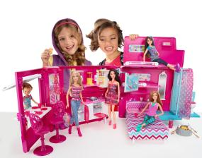 Barbie glam camper toys games for Barbie camper van with swimming pool