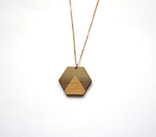 sautoir-pendentif-bois-collier-long-hexagone-motif-triangle-bijou-geometrique-bijoux-moderne-minimal
