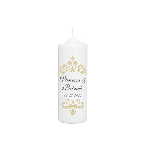 Hochzeitskerze mit Namen und Datum in Weiß, Vintage Dekor in Creme - personalisiert, finaler Wachs-Überzug für ebenmäßige Oberfläche (Ornamente Personalisierte Hochzeit)