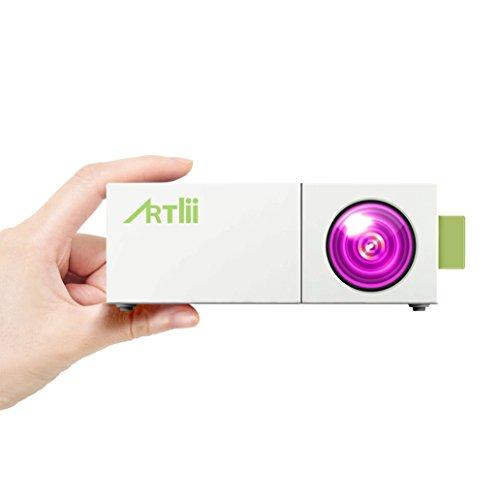Projecteur Smartphone, Artlii Pico Projecteur LED Portable avec USB-SD-AV-HDMI pour iPhone Andriod Phone iPad PC Laptop Watch Cartoon Video Games TV Shows, Mini videoprojecteur