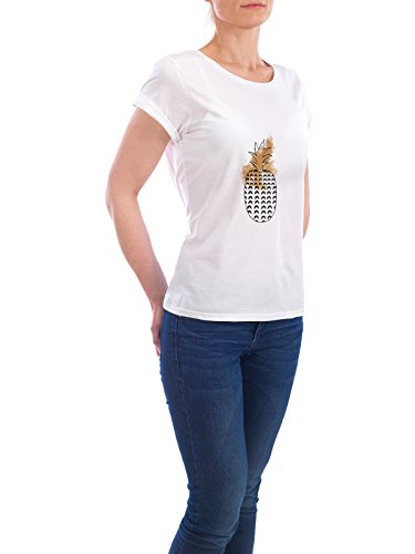"Design T-Shirt Frauen Earth Positive ""Pineapple & Pattern"" - stylisches Shirt Abstrakt Floral Geometrie Natur Kindermotive Essen & Trinken Fashion von Paper Pixel Print Weiß"