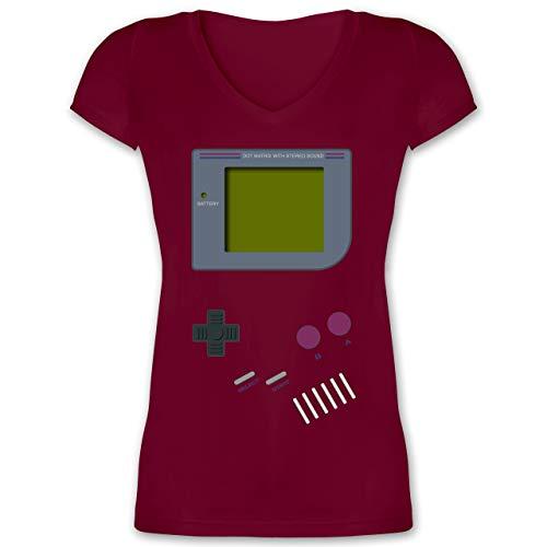 (Nerds & Geeks - Gameboy - S - Bordeauxrot - XO1525 - Damen T-Shirt mit V-Ausschnitt)