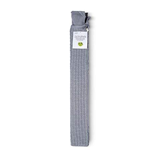 UMOI Öko Schlauch-Wärmflasche 2 Liter mit schönem Strick Bezug 77cm x13cm BS1970:2012 zertifiziert - Modell 2019 (Grau)