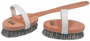 Brstenhaus Redecker Wellfit Bath Brush with Removable Steamed Beechwood Handle and Mixed Horsehair and Plant Fiber Bristles, 17-1/2 Inches Long by REDECKER