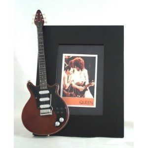 brian-may-miniature-guitar-photo-frame-queen-burn
