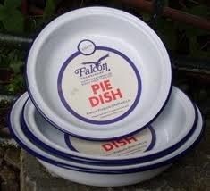 Falcon enamel ware- set of 3 pie dishes- round