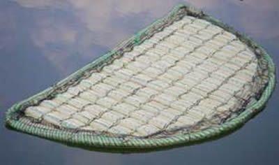 AquaForte schwimmende Pflanzinsel 110cm halbrund, geeignet für 22 Jungpflanzen