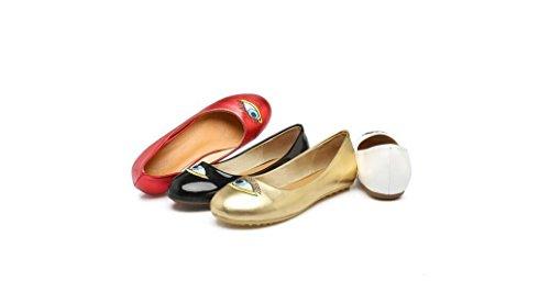 Beauqueen Pompe primavera e l'estate ricamo piano Femminile Scarpe a punta fannulloni per il tempo libero delle donne Bianco Rosso Nero Oro pattini casuali Europa Size 34-43 White