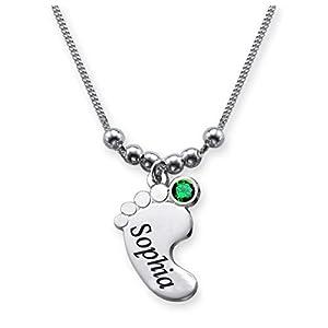 """Catenina con """"incisione Nome"""" in argento Sterling 925 con ciondolo a forma di piedino e pietra Swarovski di vari colori in base al mese di nascita, personalizzabile, 40 cm (05 Smeraldo - MAGGIO)"""