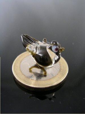 Spatz mini Klar Schwarz - Miniatur Figur aus Glas kleiner Vogel - Glasfigur Glastier Singvogel Deko Setzkasten Vitrine