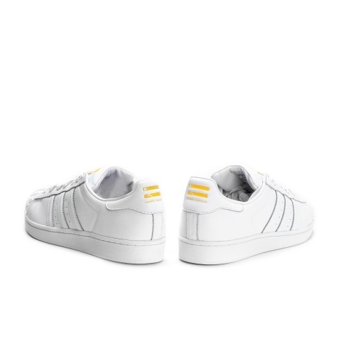 Adidas Herren Superstar Pharrell S Sneaker - Ftwwht / Ftwwht / Giallo