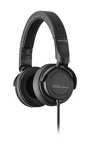 beyerdynamic DT 240 PRO Over-Ear-Studiokopfhörer in schwarz. Geschlossene Bauweise, kabelgebunden, steckbares Kabel