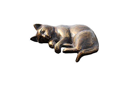 Natursteinzentrum Rhein Main Katze KLEIN aus Bronze, liegend, schlafend -