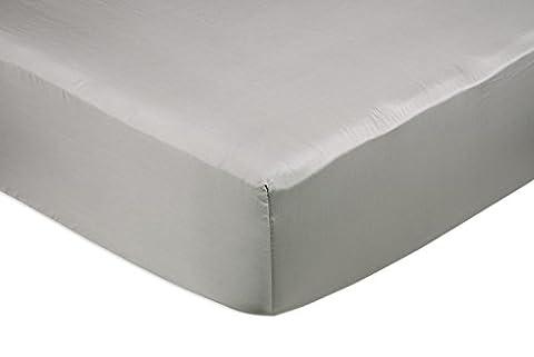 AmazonBasics Spannbetttuch, Baumwoll, Satin Fadenzahl 400, knitterarm, 180 x 200 x 30 cm - Grau