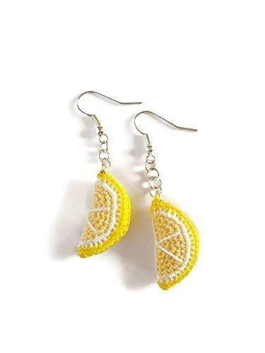 Pendiente de ganchillo hecho a mano en rodajas de limón amarillo cítrico para su fruta de verano