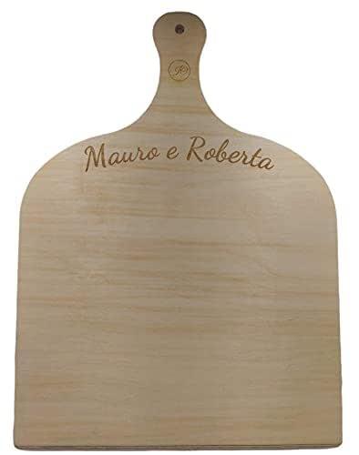 Artigianeria - Pala per pizza in legno di betulla con incisione personalizzata. Realizzata in modo artigianale in Italia. Formato 41.5 cm x 30 cm. Idea regalo per ogni occasione.