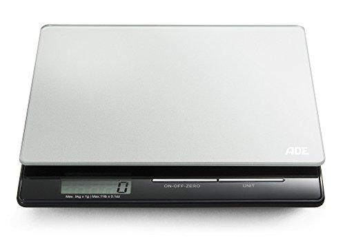 ADE Digitale Küchenwaage KE 1215 Franzi. Kompakte, elektronische Waage für Küche und Haushalt. Präzises Wiegen bis 5 kg, auch für Flüssigkeiten. Mit LCD-Display. Inklusive Batterie. Silber - Schwarz
