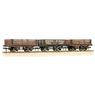 Bachmann 37-097 Coal Trader Pack 5 Plank Wagons Weathered