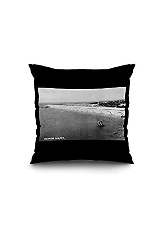 Texas - Buchanan Dam Photograph (20x20 Spun Polyester Pillow case, White Border)