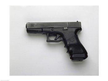 Glock 17 9mm. Pistol Fine Art Print (60.96 x 45.72 cm)