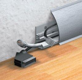 fu leiste mit kabelkanal und sockelleisten f r heizungsrohre. Black Bedroom Furniture Sets. Home Design Ideas