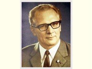 Erich Honecker - großes Bild ++ DAS Ostprodukte Geschenk – DDR Traditionsprodukt und Ossi Kultprodukt –...