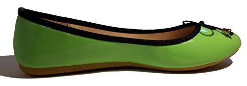 Ballerines douces, orange, noir-blanc-or zèbre, beige, noir, noir multicolor, bleu multicolor, vert brillant, léopard, noir-blanc, élégant et très chique, modèle 11064101001229, mocassins femme. Vert brillant.