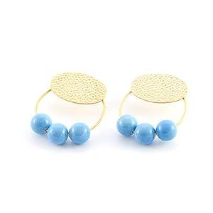 Damen ohrringe creolen.Ohrringe für Frauen mit Ring- und Harzbällen. Oval in gehämmertem Finish und mattem Gold.Farbe hellblau.