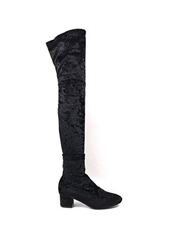 CHIC NANA . Chaussure femme cuissarde à talon, effet velours, dotée d'un bout rond et d'un petit talon large.