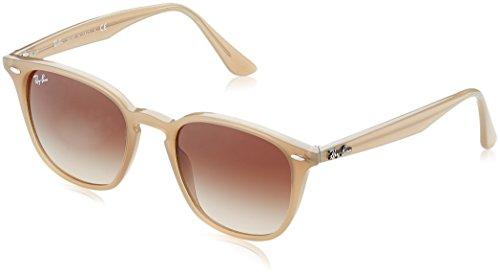 Ray Ban Unisex-Erwachsene Sonnenbrille RB4258, Mehrfarbig (Gestell: Opal beige,Gläser: braun verlauf 616613), Small (Herstellergröße: 50)