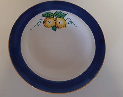 Servizio di piatti per sei, in ceramica artistica di Vietri, bordo blu con limoni (dodici pezzi). Piatto fondo diametro cm. 25 (sei pezzi), piatto piano diametro cm. 26 (sei pezzi). Dipinti a mano.